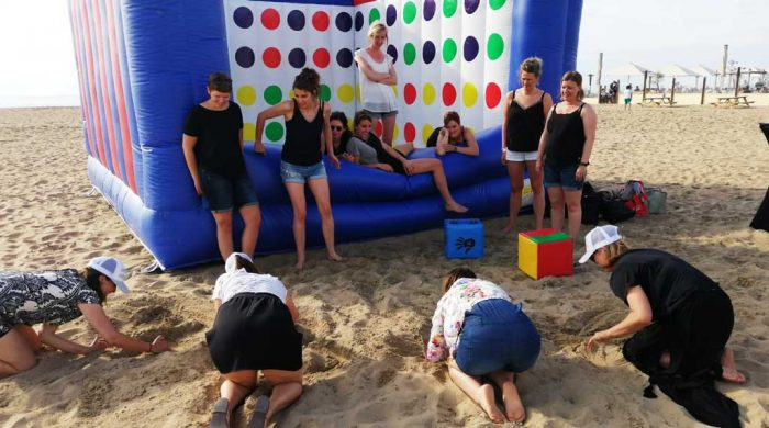 assignments-crazy-beach-twister-in-scheveningen