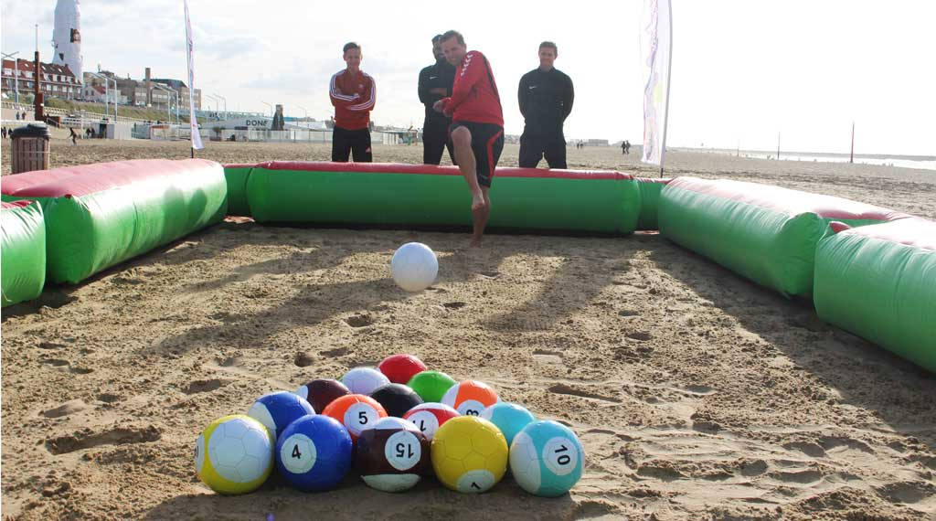 group outing-scheveningen-foot snooker-in-the-sand