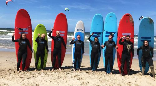 football-team-outing-wavesurfing-scheveningen